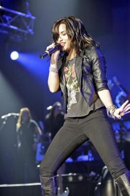 15 Juin 2009 :: Wembley Arena of London :: JB's 1st Part Demi36-10be9f7